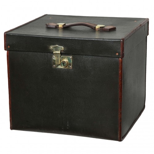 Fine 1920s Luxury Pigskin and Leather Traveling Chest